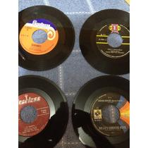 Tito Cortes, Golden Boys, Victor Perez, Caracas Boys Singles