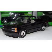 1:24 Chevrolet Pick Up 454 Ss 1992 Negro Motor Max Display