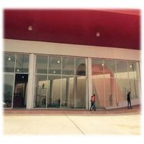 Excelente Local En El Centro Comercial De Arco Norte Cuautitlan Izcalli 190m2 En Total Con 7.75 Metros De Altura 10 Metros De Frente Cuenta Con Un Baño Precio 41,800 Pesos Más El Mantenimiento De 1,7