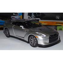 1:24 Nissan Gt-r R35 Plata Rapido Y Furioso Jada Display *