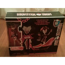 Hermosa Monster High Con Su Tina Y Tocador!