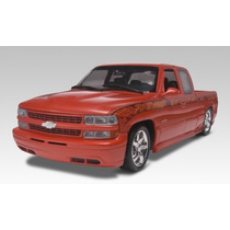 Revell 85-7200 1/25 ´99 Chevy Silverado Custom Pickup Model