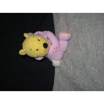 Personaje De Winnie The Pooh, Con Su Traje De Conejo Al