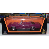 1:18 Dodge Coronet R/t Convertible 1970 Purp Lucky Die Cast