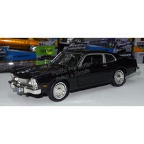 1:24 Ford Maverick 1973 Negro Motor Max Display