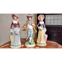 Trio De Figuras De Porcelana Antigua, 2 Damas Y 1 Caballero