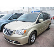 Chrysler T&c Lx, Aut, 4 Vel, Color Cashmere Perlado 2012