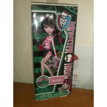 Monster High Draculaura Playa Calaveras