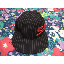 Gorra Sports And Caps Negra Con Rayas Blancas Ajustable