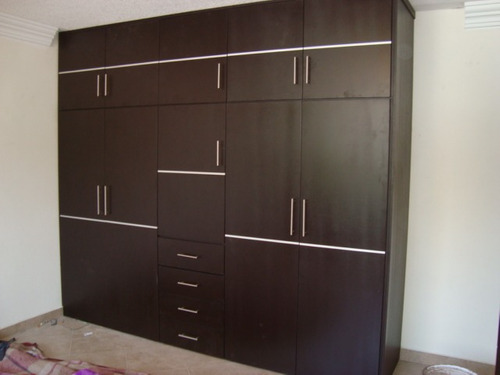 Closets armados en madera 100 natural 1000 w5js5 for Closet de cemento modelos