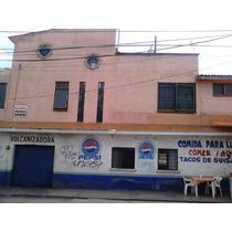 -- 0000179-278 -27 -- Casa Ubicada Cerca Del Mercado De Abastos Con 2 Locales Comerciales En Planta Baja. Además Cuenta Con Jacuzzi, Aljibe Y Protecciones En Ventanas.