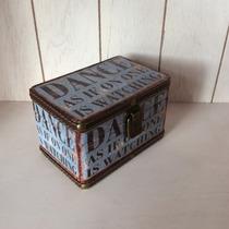 Caja Pequeña, Alhajero, Baúl. Color Azul Con Grabado Vintage