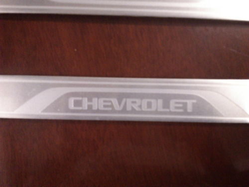 Embellecedores De Estribos Chevrolet Para Chevy Vbf Foto 2