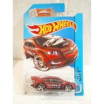 Hot Wheels Super Volt Rojo 22/250 2015