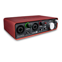Interface Focusrite Scarlett 2i2 24 Bits Y 96 Khz