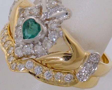 Anillo celta claddagh irlandes brillantes buffy boda amor 1 en mercado libre - En que mano se lleva el anillo de casado ...