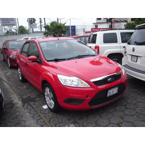 Ford Focus Ambient Estandar 2011 Rojo
