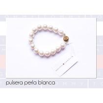 Tommy Hilfiger Pulsera Perla Blanca Con Broche Dorado Maa
