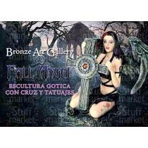 Angel Caido Con Cruz Y Cuervo: Figura Gótica