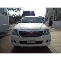 Hilux 2013 Blanca Impecable