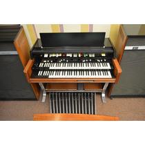 Órgano Hammond X-77