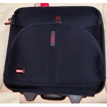 Wilson Maletin It-7701 Rolling Case Llantitas