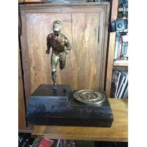 Escultura Trofeo Vintage Corredor