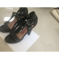 True Religion Zapatos Negros