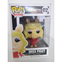 Funko Pop Muppets Most Wanted Miss Peggy 02