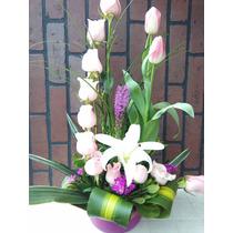 Arreglo Floral De Rosas Y Tulipanes Con Base De Cerámica