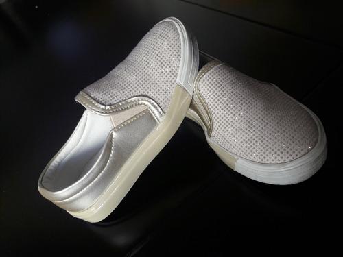 ce6cbf4c Zapatos Tenis Flats Marca Chabelo Color Dorados Con Piedrita