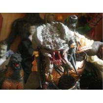 Depredador Figura De Plastilina 30 Cms Alto Hecha A Mano