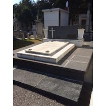 Lote Panteon Español + Monumento Funerario