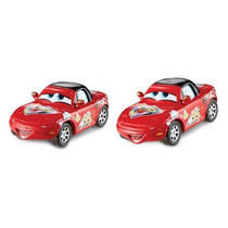 Superfan Mia & Superfan Tia Cars Mattel Race Fans Collection