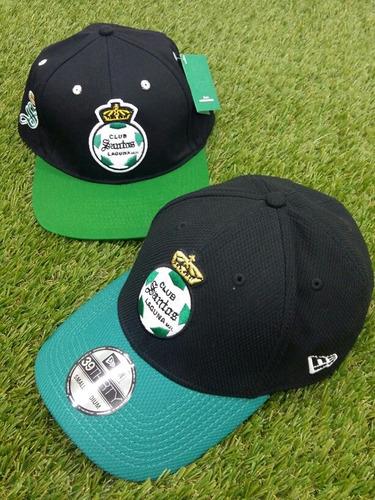 2 Gorras Santos Laguna New Era Original Y Otra Oficial b758b9e46a6