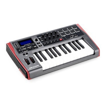 Novation Impulse 25 Controlador Midi 25 Teclas.