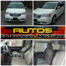 Chrysler Town & Country Limited 2013 Blanca