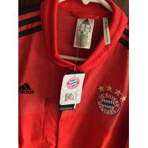 Chamarra Adidas Bayern Múnich, Talla Mediana, Importada.