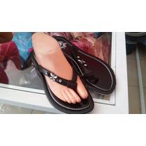 Sandalias De Plástico Negras Con Pedreria