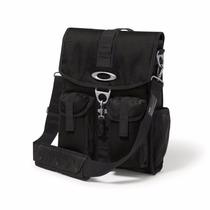 Oakley Mens Dry Goods Vertical Messenger Bag