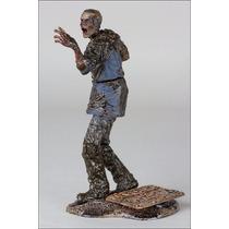 The Walking Dead Mud Walker Figura De Accion