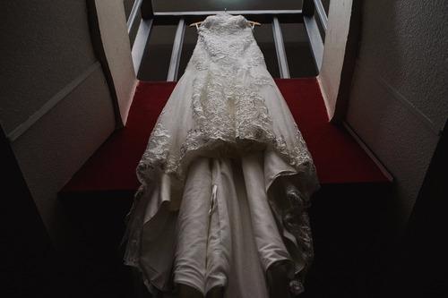 Vestido De Novia Ivory Talla Mediana Diseño De Encaje Fino