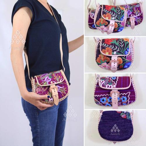 ea74c2997 Bolsa Mariconera De Piel Cuero Y Tela Artesanal Con Bordado en venta en  Mexicanos San Cristóbal De Las Casas Chiapas por sólo $ 590,00 -  CompraMais.net ...