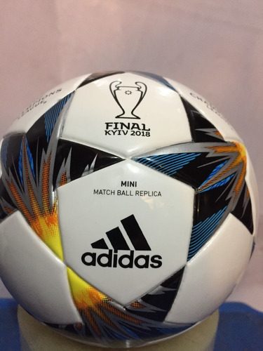 Mini Balon adidas Capitano Champions League Finale Kiev 2018 2226418cd9114