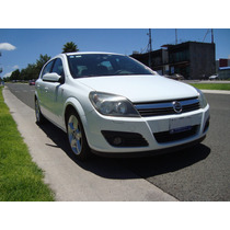 Astra Hatch Back Turbo, Quemacocos Panorámico, Piel, 6 Vel.