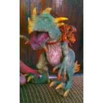 Dinosaurio Guerrero Con Silla De Montar Y Cañon