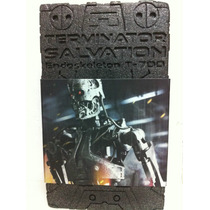 Hot Toys Endoskeleton Terminator Salvation T-700 1/6 Nuevo