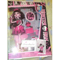 Draculaura Hija Del Conde Dracula Dia Escolar Monster High