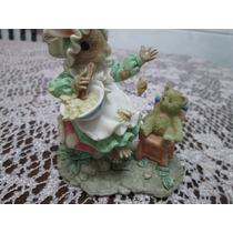 Porcelana Hermosa Figuara Ratoncita Con Bebé Oso Y Abeja