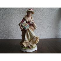 Figura Porcelana: Muchacha Con Canasta De Flores